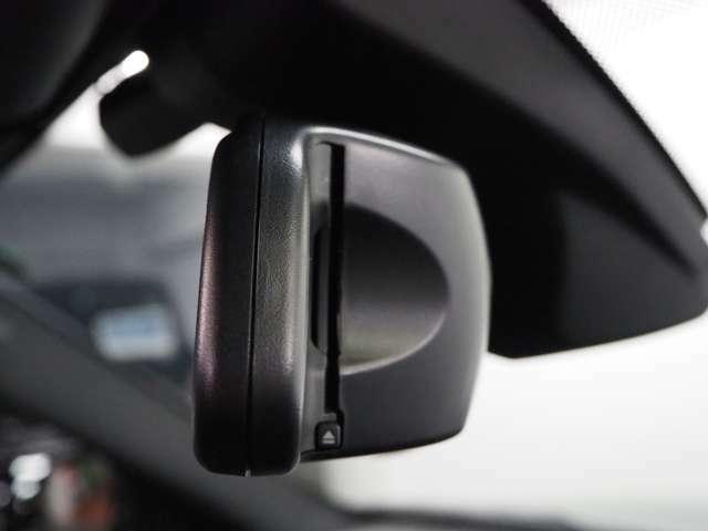 純正ミラーETCが装備されており、高速道路などで非常に便利です。