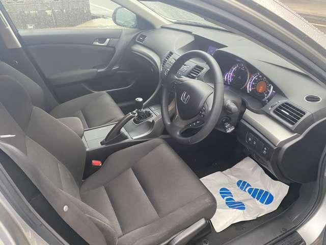 運転席廻り モケットシートの状態もgood 車内もタバコなどの匂いも感じられません。