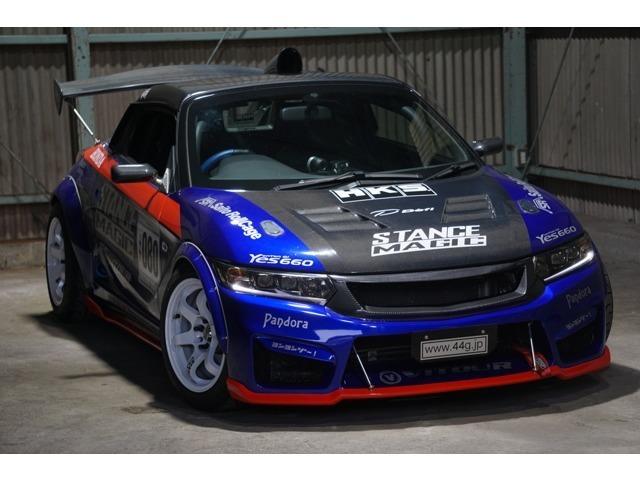 スタンスマジックデモカーです。HOTVERSION出演車輌。スタンスマジックホイールパンドラフルエアロ、ガレージベリーハードトップ、HKS GT100R フラッシュエディター HKS車高調 サイトウロールゲージ