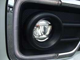 LEDフォグを搭載しており、明るく夜道でもしっかりと明かりを照らし出してくれます♪