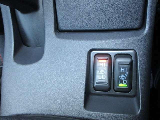 フロントシートにはシートヒーター装備!!ハイ・ロー切り替え式です。
