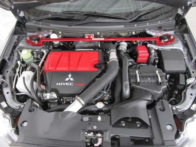 4B11型 吸排気可変バルブタイミングマイベック インタークーラーターボエンジン搭載!!前後ディーラーオプションのタワーバー付きです。