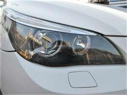 くもりやすいヘッドライトもクリアできれい♪ヘッドライトがきれいだと車のイメージも良くなりますよね♪HIDなのでより明るくより遠くを照らしてくれます♪