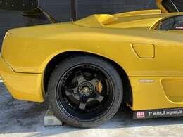 小キズ・事故などで傷ついたお車も綺麗に鈑金・塗装致します!!