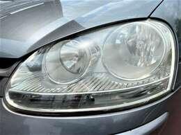 黄ばみやすいヘッドライトもクリアな状態を維持しています♪ヘッドライトがキレイだと車のイメージがだいぶ変わりますよ♪