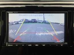 バックカメラ搭載で、車庫入れや駐車時、狭い路地での後退時などが苦手な方でも、安心して運転出来ます!