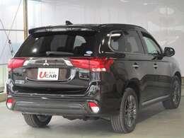 車体色は「ルビーブラックパール」 黒塗装をベースに赤パールの塗装を施しています