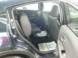 後席チップアップにより、荷物などを載せるすぺーすとしても使えます。