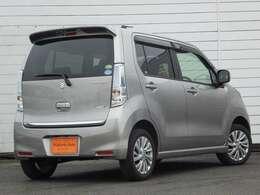 JAAA(日本自動車鑑定協会)による厳しいチェックにより鑑定書を公表しております。当社販売担当者、仕入担当者、リフトに持ち上げ車検検査員による下廻りチェックをクリアした高品質車を展示しております。