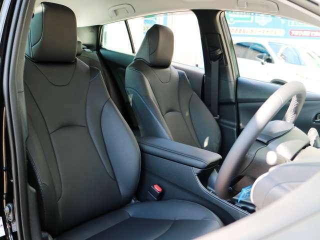高品質な合皮革シートです。快適なドライブを♪シートヒーター付き☆