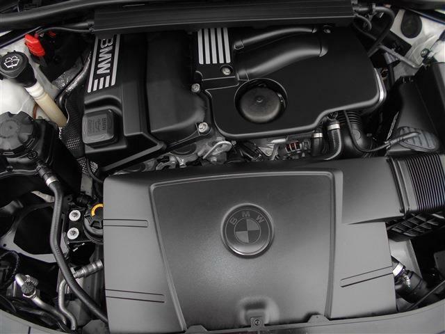 2.0L直列4気筒DOHCエンジンは軽快に回り最大150ps/20.4kg・mを発揮し、6MTと組み合わされスペック以上の駆け抜ける歓びを体感できるでしょう!!