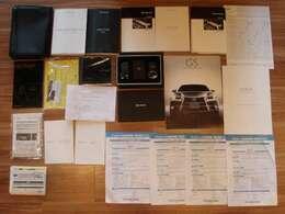取り扱い説明書(車両・ナビ・レーダー・ドラレコ・他)メンテナンスノート・保証書など書類多数有ります♪過去のレクサス等点検整備記録簿等合計10枚有ります!!もちろん今回のトヨタ車検整備記録簿も発行!!!
