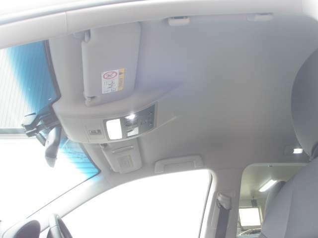 渋滞情報等VICS♪純正USB&AUX入力付き♪Bluetooth装備♪パドルシフト!スポーツ走行も愉しめます♪とにかくサビの少ないお車です♪エンジンルーム&下廻り、かなり!きれいです♪総合力に自信あります!