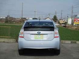 グレードは、CD+AM/FMオーディオを標準装備するSグレード!平均カタログ燃費も30.4km/l!