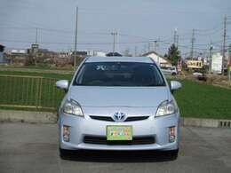 「エコドライブモード」、「パワーモード」、モーターのみで静かな走行を実現する「EVドライブモード」を設定。システム全体で136馬力相当の出力!