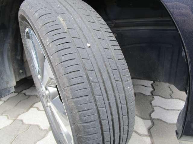 タイヤの溝もまだまだございます。