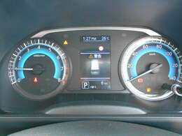 ◆アドバンスドドライブディスプレイ◆メーター内のカラーディスプレイには運転をサポートするさまざまな情報を表示。