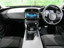 【2019年モデル】XE入庫しました!人気のホワイトで安全装備も充実。ぜひ店頭にて実車をご覧ください!