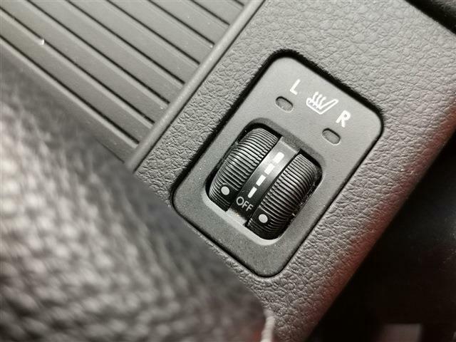 冬に冷たくなる本革も、シートヒーターがあればポカポカ暖かく快適にドライブ可能です♪