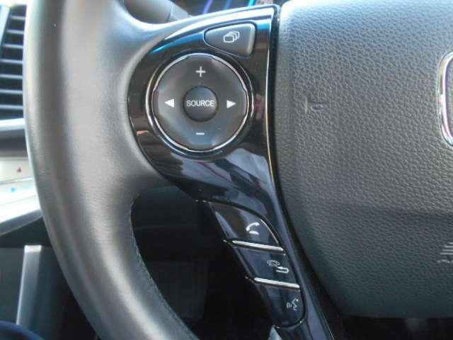 オーディオ操作が簡単に出来るステアリングスイッチ!視線を逸らさずに操作出来るので安全に運転出来ますね♪お問い合わせはお早めに☆
