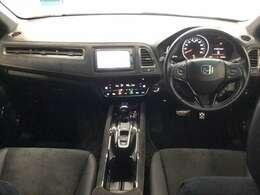 サイドブレーキは電子式になります。運転席・助手席にはシートヒーター装備しております。