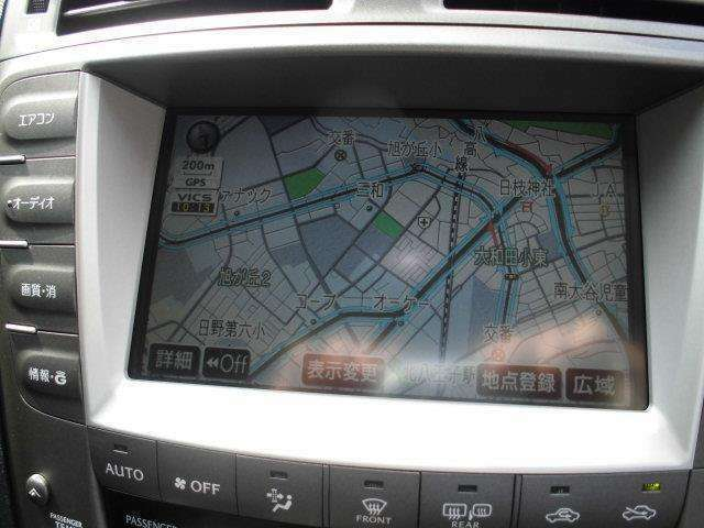 トヨタ純正HDDナビ!タッチパネルで操作が可能です。最近の主流のメモリーナビです。もちろんオーディオ機能も内蔵してます。
