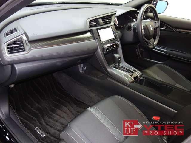 無限ハイドロフィリックLEDミラー・ETC車載器が装着済みです。追加でドライブレコーター取付などもお気軽にスタッフまでご相談下さい。