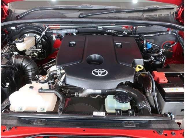 2400ccターボ付きディーゼルエンジンです。