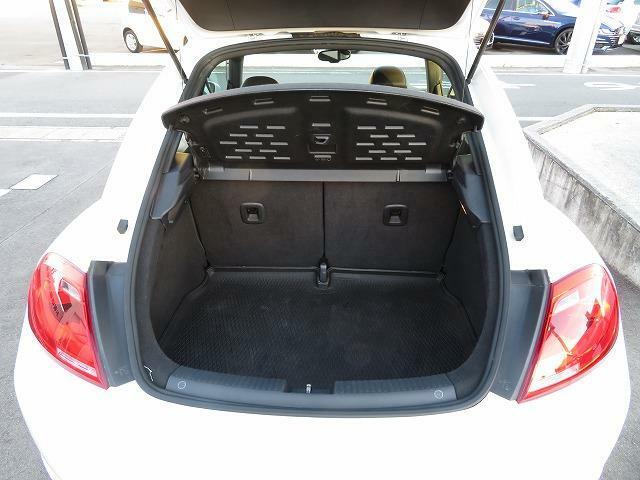 大きめなトランクで 沢山の荷物を積むことが可能です。