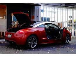特別仕様車19インチ革シート電動スポイラー