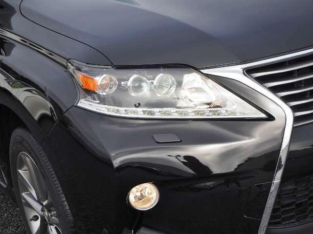 燃費向上に貢献する明るいLEDヘッドランプです。