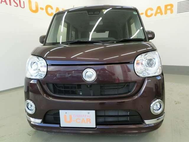 迫力のある顔つきで車が大きく見えますよね。正面からだと、また違った顔付きでカッコイイですよね。
