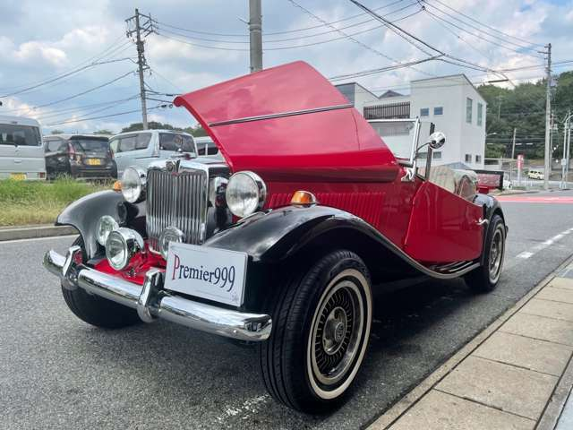 この車両はMPラッフェルの初期型で、全4300台中の56台目となります!MPラッフェル社ともコネクションがありますので本国からボディパーツも輸入可能です☆