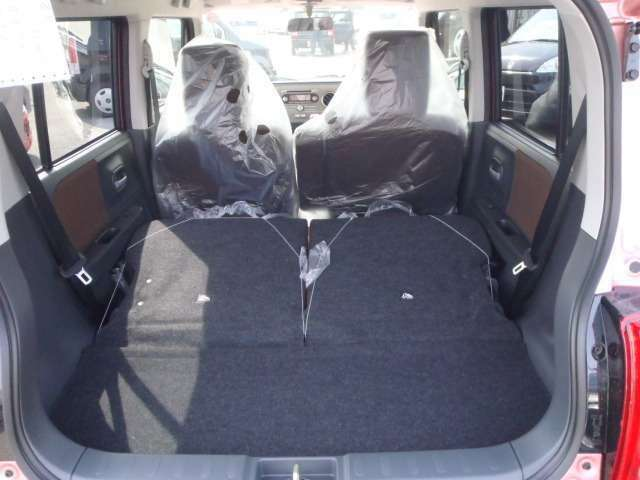 大きな荷物を積むときも、トランクも広くて載せやすいです。また、座席がとても座り心地がいいので運転を長い時間していてもあまり疲れないで済みます。
