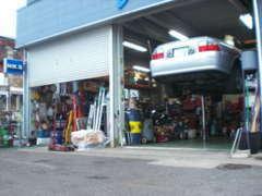 提携整備工場にて納車前にしっかりと点検致します。