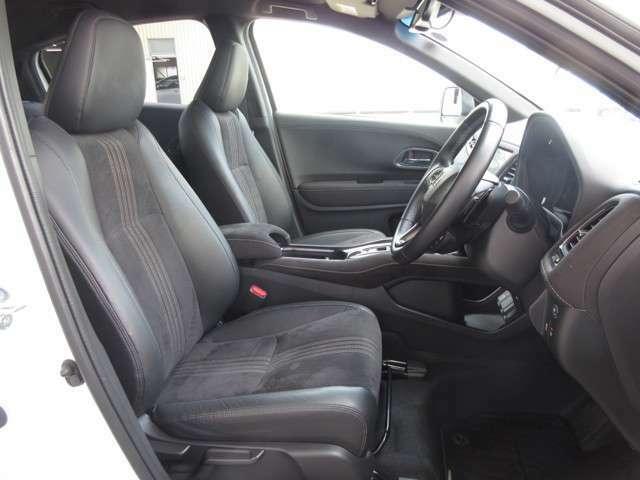 運転席には高さ調整ができる『シートハイトアジャスター機能』が付いています!これなら小柄な方にも大柄な方にも自分にぴったりの運転姿勢がとれますね~!