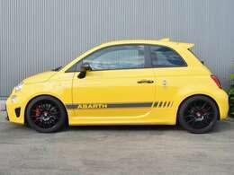 La Buono車高調整サスキット(減衰力20段階調整機能付)297,000円を装着済み
