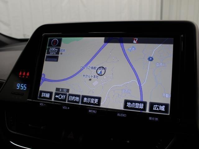 安全を考慮し、視線移動の少ない位置にセットされたT-Connect対応の純正9インチSDナビ!CD、DVDビデオ、フルセグTV搭載です。