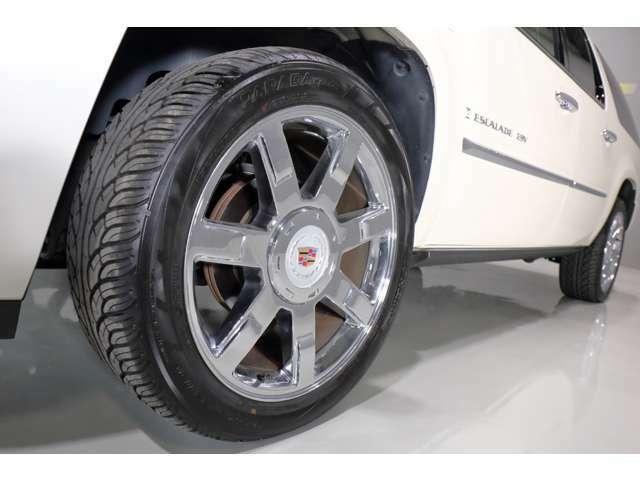 タイヤも4本新品に交換済み。