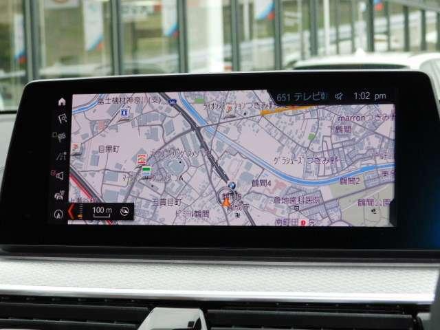 エマージェンシーサービス「SOSコール」にて、車内からの事故受付、レッカーサービスの使用も可能です。※一部車両対象