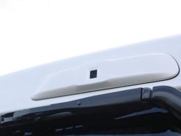 新メーカーオプションで、デジタルインナーミラーが付きました!