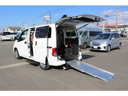 日産 NV200バネットバン 1.6 チェアキャブ 車いす1名仕様 専用サードシート有 リヤクーラー付き ライブ中継デモ
