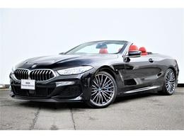 BMW 8シリーズカブリオレ M850i xドライブ 4WD 赤革B&Wサウンドレーザーライト純正20AW