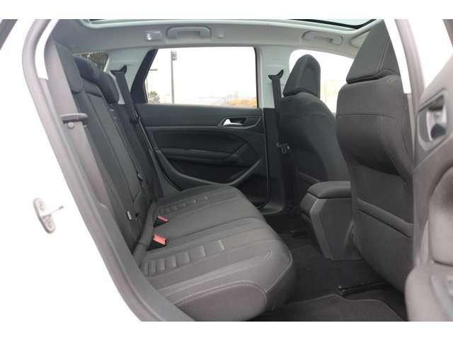 消耗品を除く主な部品交換歴  ・スパークプラグ×3  ・ドライブベルト  ・オーディオアップデート  ・イグニッションコイル  ・フロントブレーキパッド  ・フロントブレーキローター