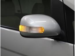 ターンランプ付きドアミラー・ファショナブルだけではなく、目の高さに近い所にウインカーがあるので対向車から良くわかるので安全です☆