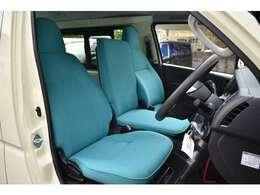 シートはカバーではなく張り替えです!薄く座り心地の悪いDXのシートに乗り心地とホールド性を高める加工を施し座り心地良く仕上げています。クオリティも高くカラーもいい雰囲気です。