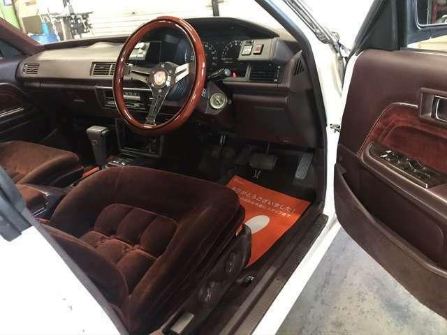 内装のコンディションもかなり良い方です!写真ではわからない車内の臭いも安心してくださいイイ香りです