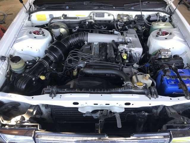 エンジンルームもサビ等無く大変綺麗です!載せ替えでは無く元1G-GEツインカムです!
