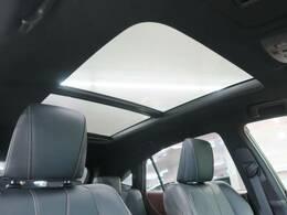 サンルーフ?開閉可能なため、太陽や風を感じながらドライブが楽しめる!