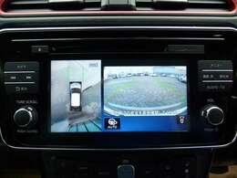純正ナビゲーション装着車両です!音楽再生はもちろん地デジTVも付いて便利ですね!新しいカーライフが楽しくなります!
